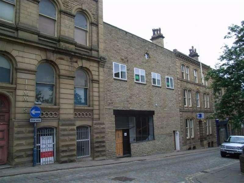 1 Bedroom Flat for sale in Bond Street, Dewsbury, West Yorkshire, WF13 1AU