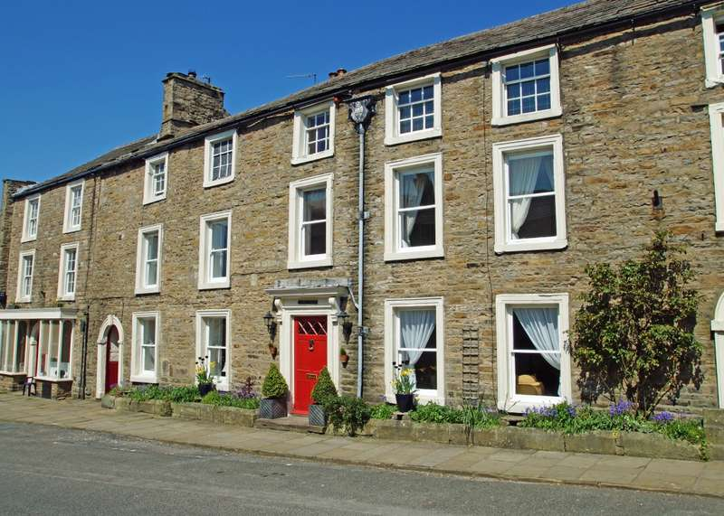 7 Bedrooms Terraced House for sale in The Manor House, Askrigg, Leyburn, DL8 3HL