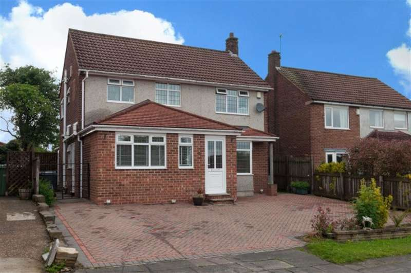 5 Bedrooms Detached House for sale in Rockwood Crescent, Pudsey, Leeds, LS28 5AD