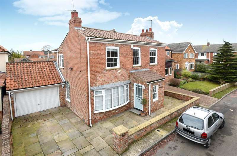 4 Bedrooms Detached House for sale in Londesborough House, North Moor Road, Huntington, York, YO32 9QS