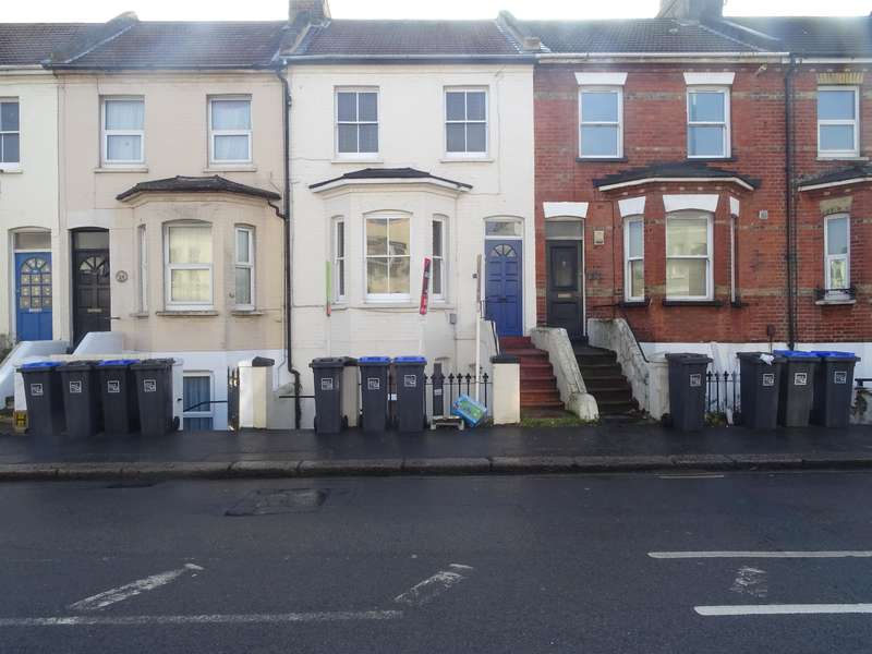 1 Bedroom Ground Flat for sale in Newland Road, Worthing, West Sussex , BN11 1JR