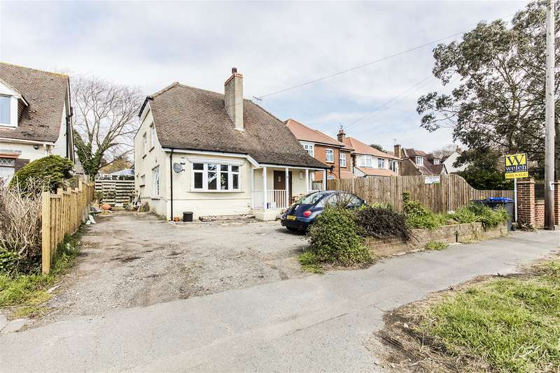 4 Bedrooms Detached House for sale in Arundel Road, Worthing, West Sussex, BN13 3EH