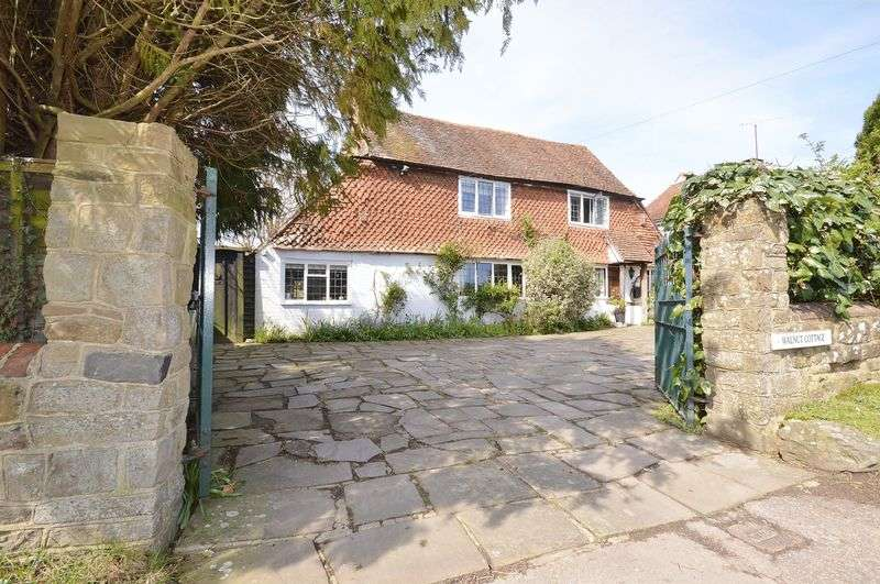 3 Bedrooms Detached House for sale in Northchapel, Petworth