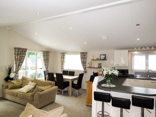 3 Bedrooms Park Home Mobile Home for sale in HASTINGS, East Sussex, TN35