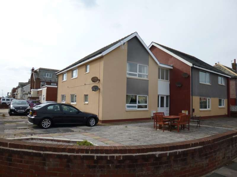 8 Bedrooms Block Of Apartments Flat for sale in Carlyle Avenue, Blackpool