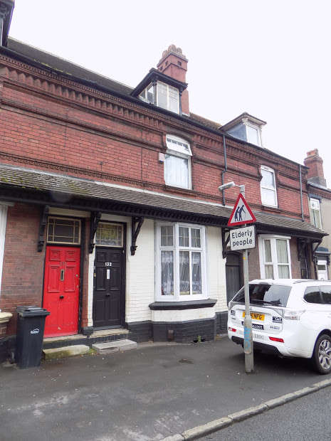 3 Bedrooms Property for sale in Bank Street, Brierley Hill, DY5