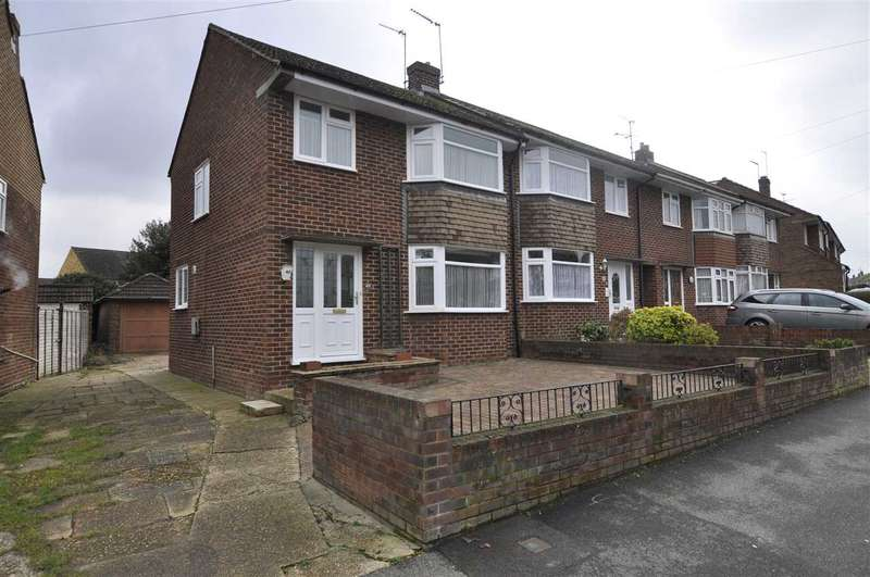 3 Bedrooms End Of Terrace House for sale in St Anthonys Drive, Chelmsford