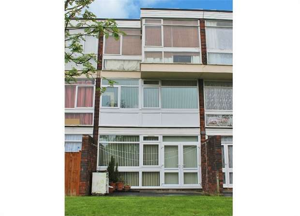 3 Bedrooms Maisonette Flat for sale in Falmouth Road, Leicester