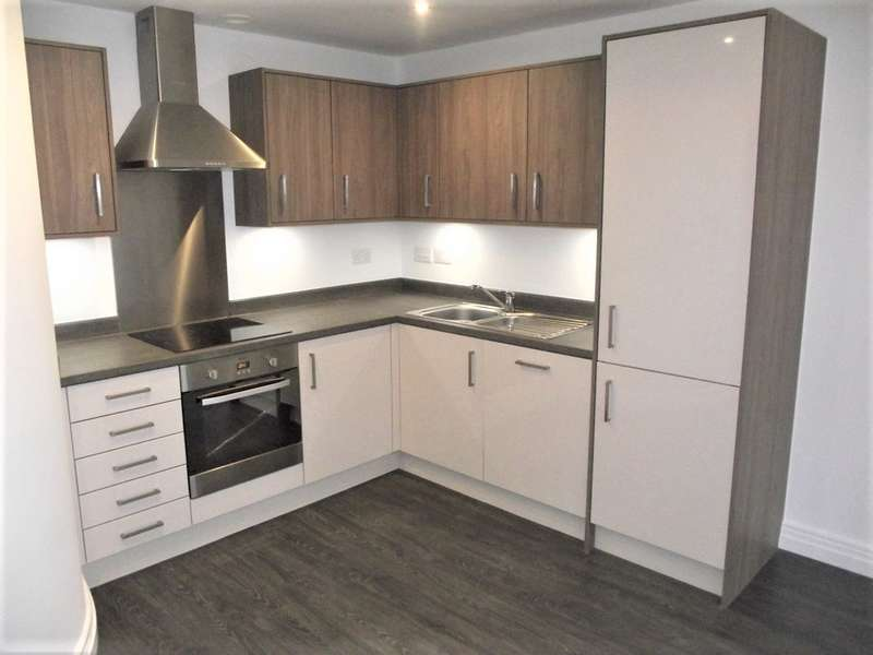 2 Bedrooms Apartment Flat for rent in Apt Metalworks, Jewellery Quarter, Birmingham
