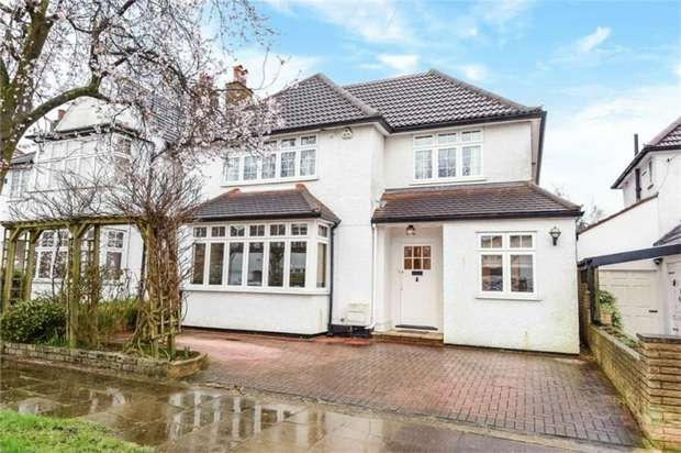 4 Bedrooms Detached House for sale in Beech Walk, Mill Hill, London