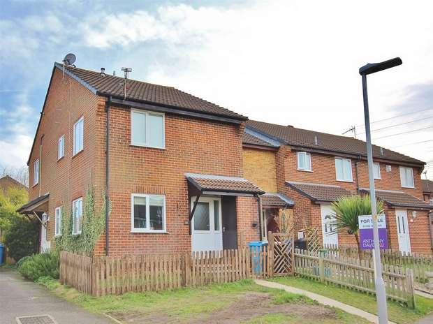 1 Bedroom House for sale in Seatown Close, Canford Heath, POOLE, Dorset