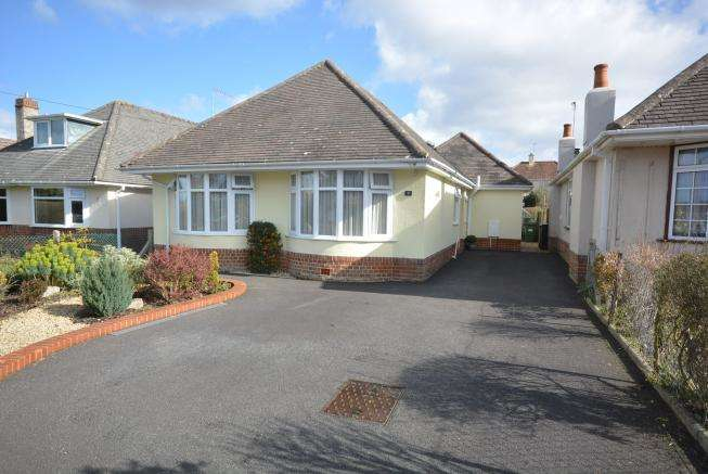 3 Bedrooms Detached Bungalow for sale in Wimborne, Dorset