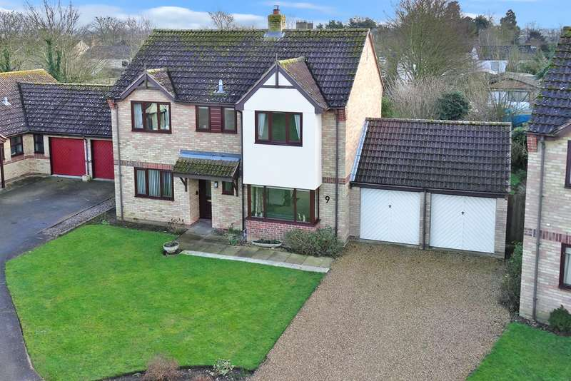 4 Bedrooms Detached House for sale in Walnut Tree Close, Stretham, CB6 3JA