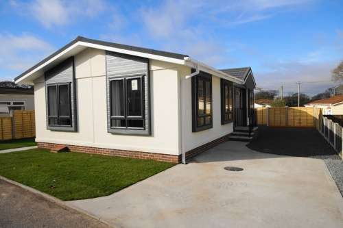 2 Bedrooms Detached House for sale in The Crescent, St Leonards