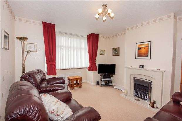 3 Bedrooms Semi Detached House for sale in Northcote Road, Downend, BRISTOL, BS16 6AR