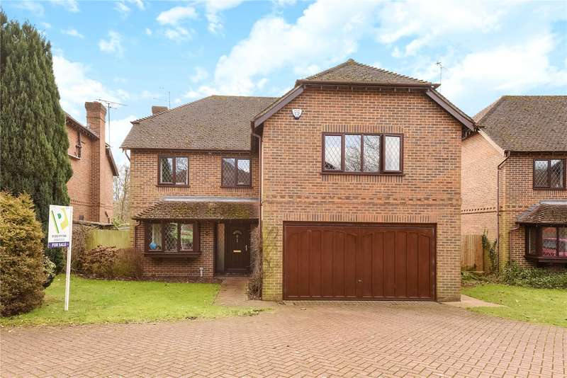 5 Bedrooms Detached House for sale in Lych Gate Close, Sandhurst, Berkshire, GU47