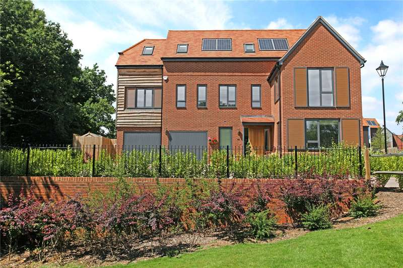 5 Bedrooms Detached House for sale in Sycamore Avenue, Godalming, Surrey, GU7