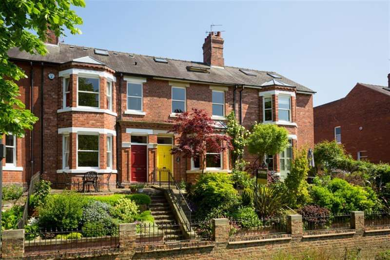 5 Bedrooms Town House for sale in Lastingham Terrace, York, YO10 4BW