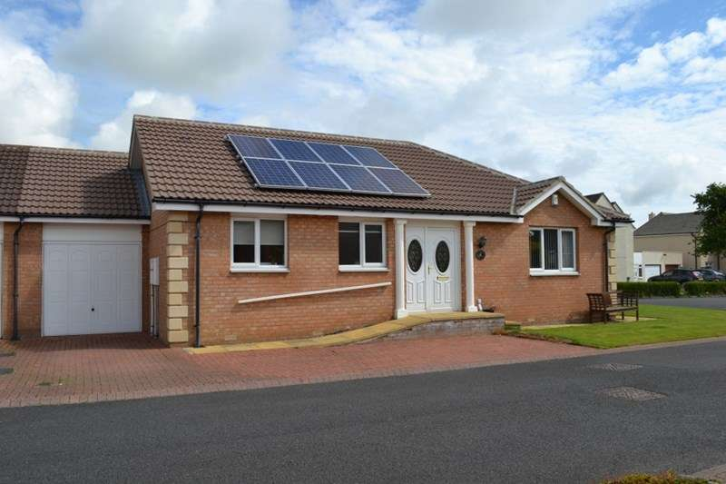 2 Bedrooms Semi Detached Bungalow for sale in Fieldhouse Close, Acklington