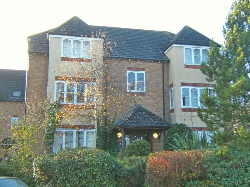 1 Bedroom Flat for sale in The Cloisters, Vicar Lane, Daventry, NN11 4GB