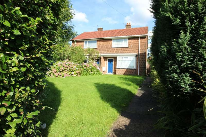 2 Bedrooms Semi Detached House for sale in Eastham Way, Little Hulton, Manchester, M38