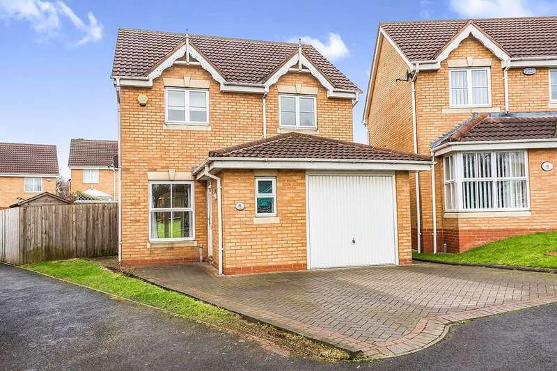 3 Bedrooms Detached House for sale in Brades Rise, Oldbury, B69