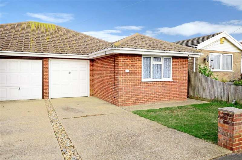 3 Bedrooms Bungalow for sale in Arundel Road, Peacehaven, East Sussex