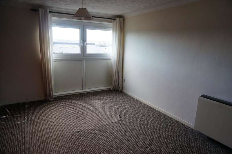 2 Bedrooms Flat for rent in Glenacre Road, North Carbrain, Cumbernauld G67