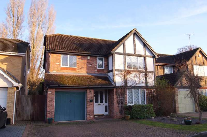 4 Bedrooms Detached House for sale in Connaught Drive, Weybridge KT13