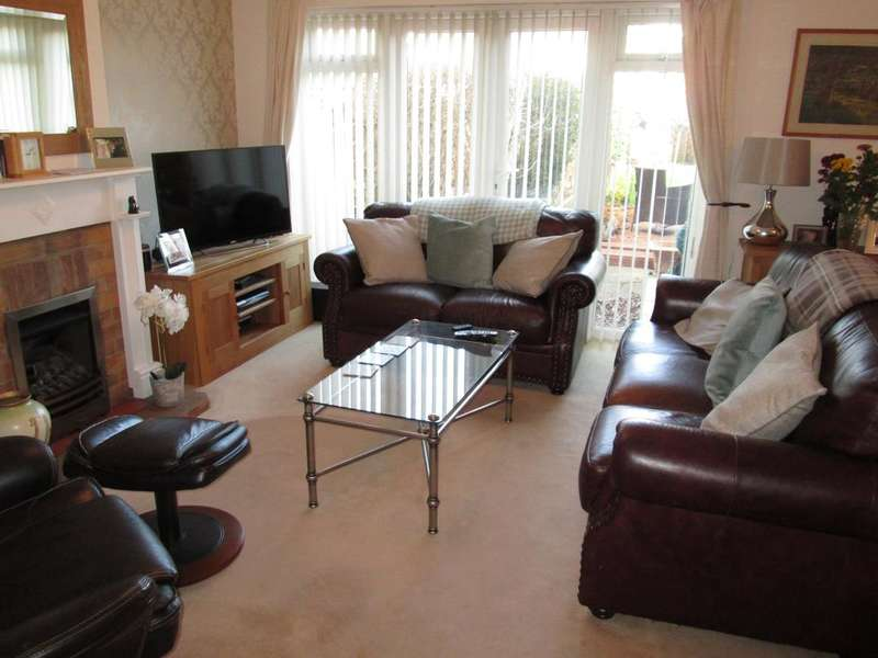 4 Bedrooms Detached House for sale in High Street, Stotfold, SG5 4LL