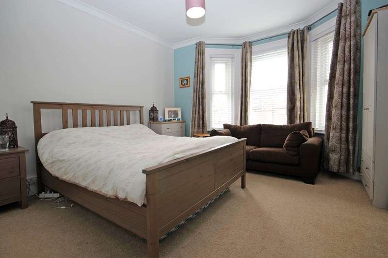 4 Bedrooms Semi Detached House for sale in Gordon Road, Bournemouth