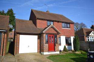 House for sale in Heathfield Road, Burwash Weald, Etchingham, East Sussex