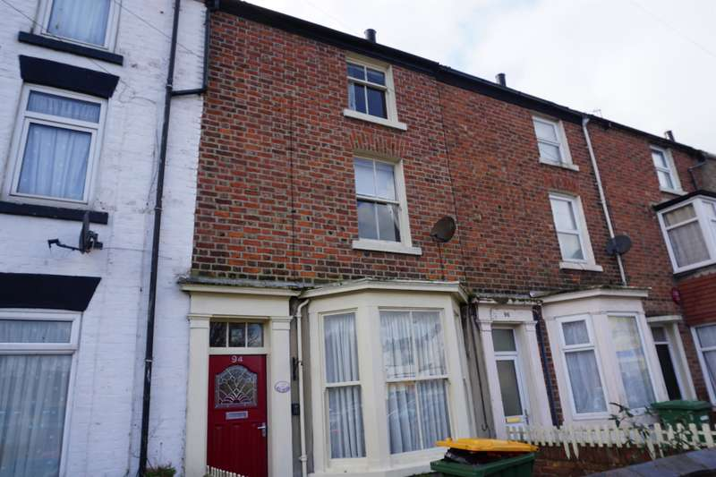 3 Bedrooms Terraced House for sale in North Street, Scarborough, YO11 1DE