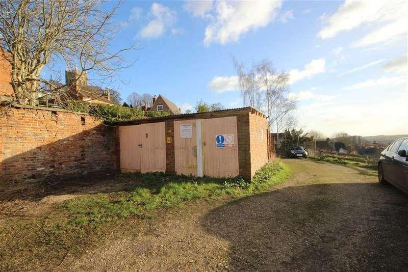 Garages Garage / Parking for sale in Steep Hill, Lincoln, Lincolnshire