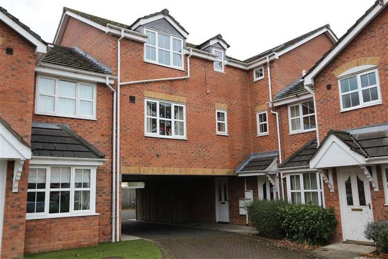 2 Bedrooms Flat for sale in 14, Whitestar Court, Irlam, Manchester