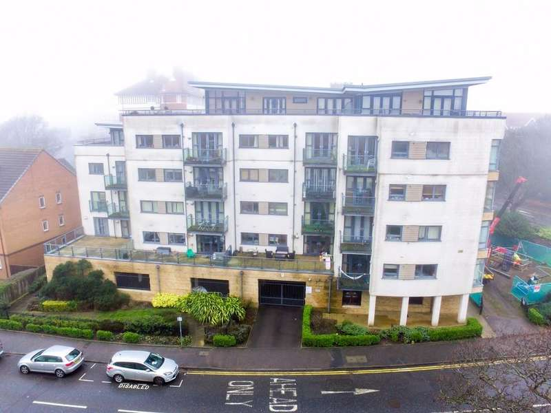 2 Bedrooms Apartment Flat for sale in Sea Road, Boscombe