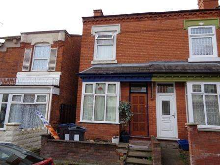3 Bedrooms Terraced House for sale in Nansen Road, Sparkhill, Birmingham B11