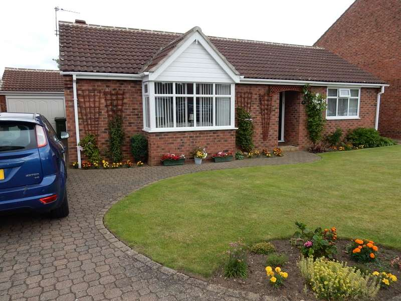 3 Bedrooms Detached Bungalow for sale in Castle Close, Stockton on Tees TS19