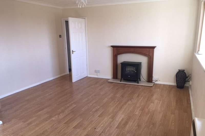 2 Bedrooms Flat for sale in The Parade, Cherry Willingham, Lincoln, LN3