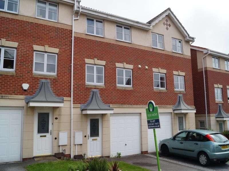 3 Bedrooms Property for rent in Bratton Drive, Nottingham, NG5