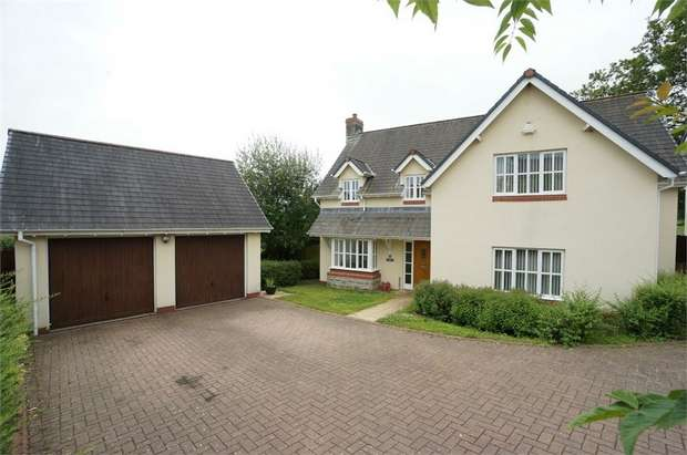 4 Bedrooms Detached House for sale in Clos Cartref, Llangybi, USK, Monmouthshire