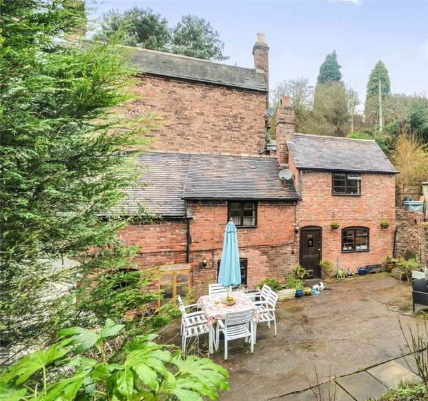 3 Bedrooms Terraced House for sale in 28 Madeley Road, Ironbridge, Shropshire
