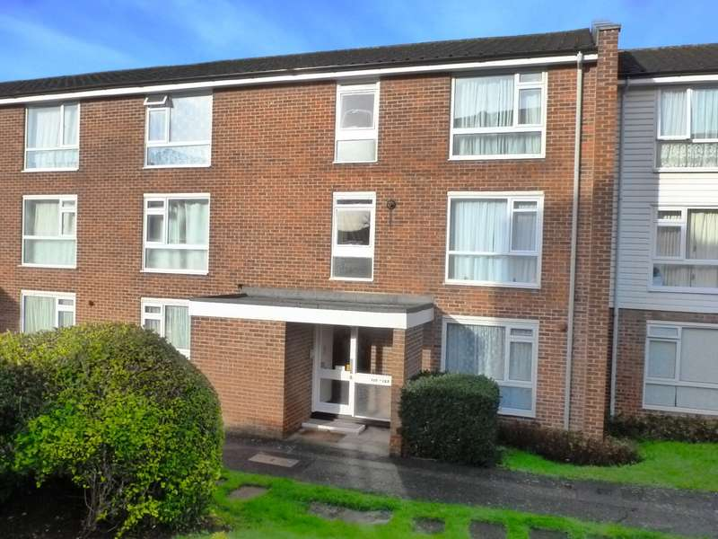 1 Bedroom Flat for sale in Holmbury Grove, Featherbed Lane, CR0 9AQ