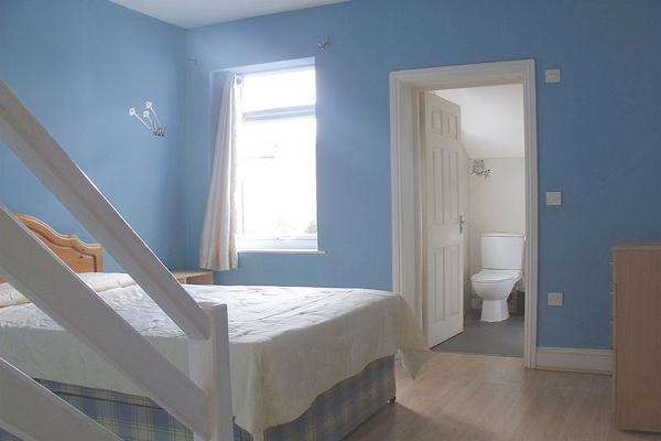 2 Bedrooms Flat for sale in MAYOW ROAD, FOREST HILL, LONDON SE23