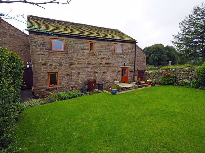3 Bedrooms Detached House for sale in The Wash, Chapel-en-le-Frith, High Peak, Derbyshire, SK23 0QL