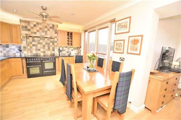 6 Bedrooms End Of Terrace House for sale in Hawthorn Avenue & 'The Bungalow', Hanham, BS15 3ES