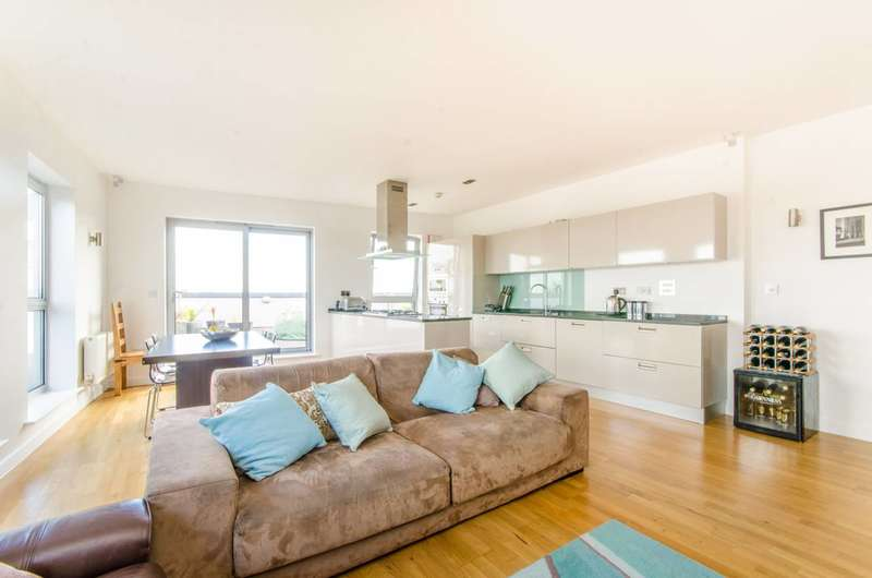 3 Bedrooms Flat for sale in Enfield Road, De Beauvoir Town, N1