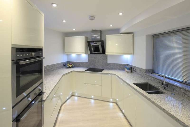 2 Bedrooms Apartment Flat for rent in Apartment 2, 8 Castle Boulevard, Nottingham NG7