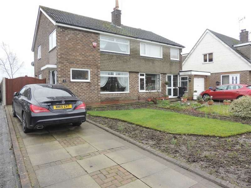 3 Bedrooms Property for sale in Corfe Crescent, Hazel Grove, Stockport
