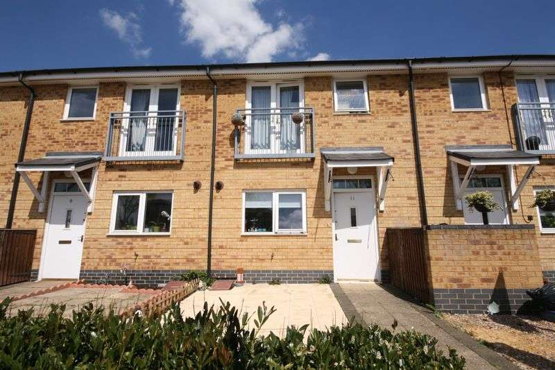 3 Bedrooms Terraced House for sale in Taywood Road, Northolt